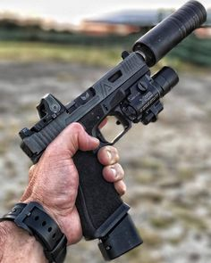 Airsoft hub is a social network that connects people with a passion for airsoft. Talk about the latest airsoft guns, tactical gear or simply share with others on this network Ninja Weapons, Weapons Guns, Guns And Ammo, Armas Airsoft, Ps Wallpaper, Armas Ninja, Custom Guns, Custom Glock, Shooting Guns