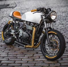 """Mi piace"": 1,217, commenti: 6 - Boss Bikes Motorcycles (@_bossbikes_) su Instagram: ""A super modern yet classic Triumph Thruxton! Sexy copper tones  find the…"""