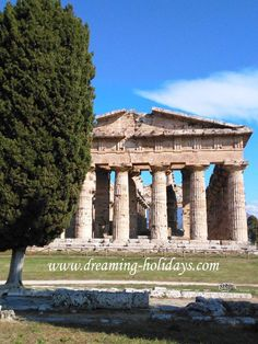 """Welcome to Paestum and its majestic doric temples (5 foto) Considered by the UNESCO as a world heritage, Paestum is one of the most important cities of """"Magna Graecia"""". It is located between Amalfi Coast and Cilento Coast."""