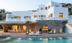 Villas in Mykonos : All villas, suites and 5 star hotel suites in Mykonos included in our portfolio are professionally inspected to make sure all our standards are met. Mykonos Town, Mykonos Greece, Super Paradise Beach, Beach Mansion, Greek House, House By The Sea, Resort Villa, Fantasy Wedding, Hotel Suites