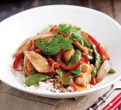 Chicken and vegetable stirfry Healthy Food Guide, Healthy Chicken Stir Fry with Coriander {Paleo} Food Faith Fitness, Healthy Chicken Stir. Veg Stir Fry, Chicken Vegetable Stir Fry, Healthy Chicken Stir Fry, Chicken And Vegetables, Healthy Snacks, Healthy Recipes, Eat Healthy, Diet Recipes, Healthy Living