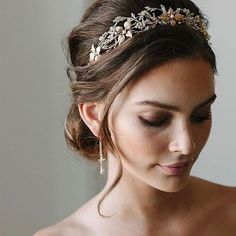 Holy headpieces! A whole lot of love for the latest @taniamarasbridal bridal accessory collection #headpieceheaven #ivorytibe pic @the_loved_ones styling @lovefindco HMUA @pvhairmakeup headpiece @taniamarasbridal