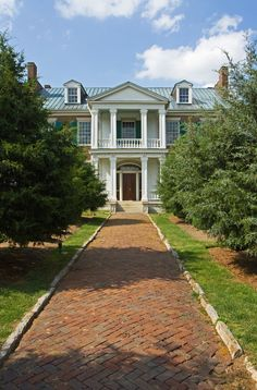 Carnton Plantation . Tennessee Vol Nation, Greek Revival Architecture, Tennessee Usa, Sea To Shining Sea, Historic Houses, Neoclassical, Beautiful Homes, Southern, Mansions