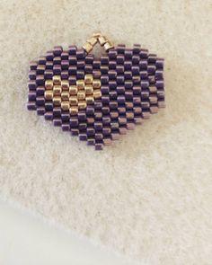 Dije Corazón Chaquira Brick Stitch