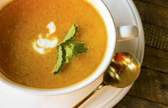 Deliciously spicy, serve this über healthy carrot soup hot or cold. Packed full of anti-inflammatory foods, this soup will fight what ails you. Pureed Soup, Carrot Soup, Anti Inflammatory Recipes, Plain Yogurt, Something New, Fresh Mint, Spicy