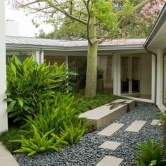Fascinating River Rock Landscaping Pictures : Contemporary Landscape With Cut Stone And Grey River Rockwaterfeature In Rock Bench Smooth Rocks With The Precast Cement Tiles River Rock Landscaping, Landscaping With Rocks, Modern Landscaping, Front Yard Landscaping, Landscaping Ideas, Patio Ideas, Backyard Patio, Nice Backyard, Modern Landscape Design