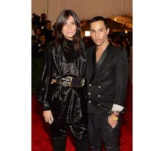 Emmanuelle Alt et Olivier Rousteing au MET Ball http://www.vogue.fr/sorties/on-y-etait/diaporama/gala-du-met-costume-institute-punk-couture/13108/image/751475