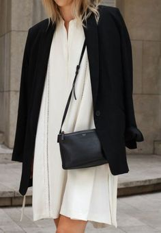 Skirt black and white outfit minimal classic ideas for 2019 - Outfit Ideen Minimalist Fashion French, Minimal Fashion, White Fashion, 00s Fashion, Look Fashion, Trendy Fashion, Fashion Outfits, Fashion Tips, Black And White Outfit