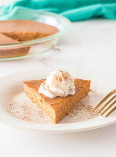Crustless Pumpkin Pie - Made In 4 Easy Steps! Easy Delicious Recipes, Tasty, Best Recipe Of All Time, Kids Meals, Easy Meals, Good Food, Yummy Food, Everyday Food, Pumpkin Puree