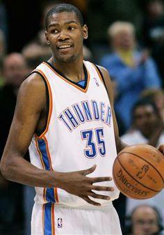 Oklahoma City Thunders - Kevin Durant #35.