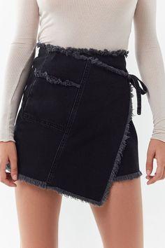 Slide View: UO Frayed Wrap Mini Skirt - Mini Skirts - Ideas of Mini Skirts Womens Fashion Online, Latest Fashion For Women, A Line Mini Skirt, Mini Skirts, Jean Skirt Outfits, Jeans Rock, Ladies Dress Design, Cute Outfits, Fashion Outfits