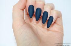 Matte dark blue stiletto nails, Fake nail, Stiletto nail, Kylie jenner, Black stiletto nail, Press on nail, Acrylic nail, Fake nail stiletto by prettylittlepolish on Etsy https://www.etsy.com/uk/listing/223158879/matte-dark-blue-stiletto-nails-fake-nail