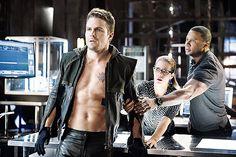 Arrow - 2.09 - Three Ghost - Oliver Queen, Felicity Smoak & John Diggle