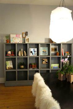 Home tour of Kate Lewis. Unique shelves.