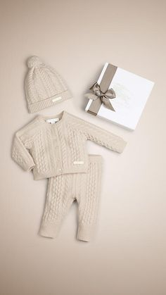 All Baby Burberry Baby Boy Years Burberry Knitted Baby Outfits, Knitted Baby Clothes, Newborn Outfits, Cute Baby Clothes, Baby Boy Outfits, Clothes Swag, Newborn Baby Boy Clothes, Style Clothes, Baby Burberry