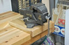 Machinist Vise for Woodworking Workbench