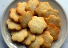 Aprende a preparar Galletas de aceite con esta rica y fácil receta. Si te gustan los dulces y la repostería pero no te agrada tener que usar mantequilla estás galletas son perfectas par...
