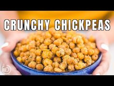 This tutorial and recipe is all you need to make the BEST, actually crunchy, flavor-packed roasted chickpeas. A few tips make all the difference. Diet Snacks, Savory Snacks, Vegan Snacks, Healthy Snacks, Party Snacks, Healthy Eats, Mediterranean Appetizers, Mediterranean Diet Recipes, Mediterranean Dishes
