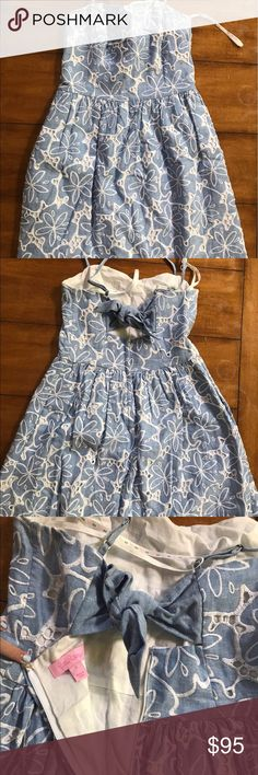 Lilly Pulitzer Sand Dollar Dress Size 0 Lilly Pulitzer Sand Dollar Dress with bow tie accent on the back! Strapless Lilly Pulitzer Dresses