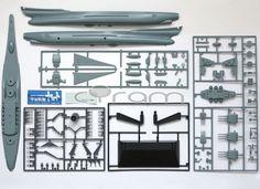 Bauteile aus dem Modellbausatz Space Battleship Yamato: Space Cruiser Yamato 1:700 von Bandai (http://www.cyram-entertainment.de/shop/products/Modellbau/Anime-Manga/Space-Battleship-Yamato/Space-Battleship-Yamato-Space-Cruiser-Yamato-Final-Yamato.html)