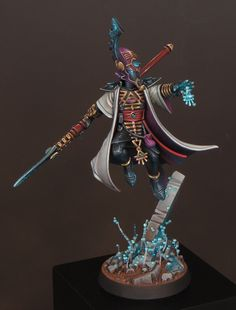 Slayer Sword winner - Golden Demon: Enemies of the Imperium. I wanted to paint my Farseer in a way that showed him using the full extent of his psychic power with a mystical rather than a martial atmos… Eldar 40k, Warhammer Eldar, Dark Eldar, Warhammer Models, Warhammer Fantasy, Warhammer Figures, Happy Paintings, Mini Paintings, Eldar Farseer