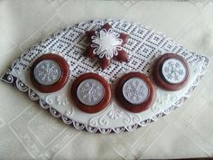 Wooden Christmas Trees, Sugar Art, Gingerbread, Plates, Tableware, Food, Licence Plates, Dishes, Dinnerware