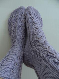 Pollie by free sock pattern