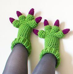 Monster_slippers_crochet_pattern_green_crop_small2