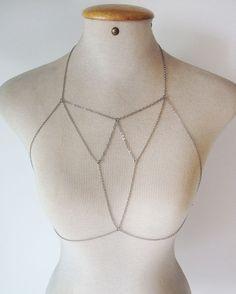 Body Chain Prata tipo Top / Strappy Bra - Por Dalila em Fúria