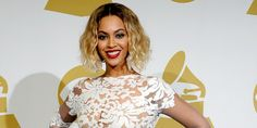 """Beyonce - Michael Costello Couture - Grammys 2014 - Funky Fashions - Funk Gumbo Radio: http://www.live365.com/stations/sirhobson and """"Like"""" us at: https://www.facebook.com/FUNKGUMBORADIO"""