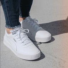 May 2020 - Trendy All White Leather Carina Style Sneakers From Puma. Size In Womens. Some Wear. Great For All Kinds Of Outfits. Soft Fit So The Shoe Is Very Comfortable White Puma Sneakers, White Fashion Sneakers, Womens Fashion Sneakers, Lacoste Shoes Women, Puma Shoes Women, Tennis Puma, Puma Outfit, Hype Shoes, Pumas Shoes
