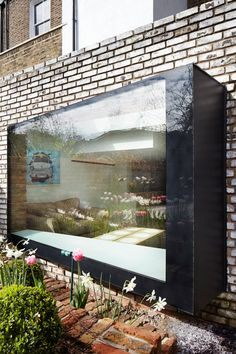 We're thinking of a window like this at the garden end of the side return extension - Asymmetrical oriel window with seat House Extension Design, Glass Extension, Design Studio, House Design, Bay Window Exterior, Contemporary Windows, Modern Windows, Window Seat Kitchen, Window Detail
