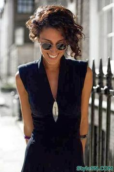 Super short curly hairstyles for women -StyleSN
