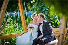 Jak wybrać fotografa na ślub --> http://www.artisticzoom.pl/jak-wybrac-fotografa-na-slub/