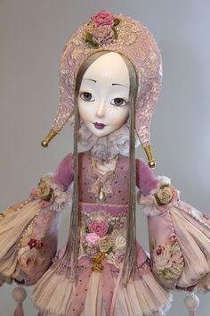 Цветочная карусель -механическая кукла