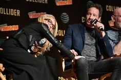 David Duchovny Photos - Gillian Anderson (L) and David Duchovny speak onstage at The X-Files panel during 2017 New York Comic Con -Day 4 on October 8, 2017 in New York City. - 2017 New York Comic Con - Day 4