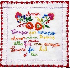 lenço dos namorados Portugal Travel, Porto Portugal, Sewing Techniques, Needlepoint, Embroidery Designs, Cross Stitch, Bullet Journal, Tapestry, Knitting