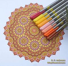 Auteur: KayCee colours & drawings - Revue: Coloriage Mandalas n°11 - Éditions MEGASTAR® France. Feutres: Staedtler Triplus fineliner