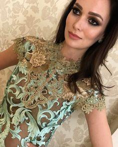 💚A renda garante o glamour e o diferencial para toda mulher!! Peças lindas da nossa nova coleção! #schmidtsisters #luxo #detalhes #blusarenda #bordado