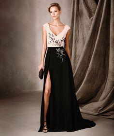 CELESTE - Vestido bicolor largo y escote en V Pronovias