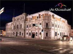 TURISMO EN CHIHUAHUA. Si visita la capital de Chihuahua, está obligado a recorrer el palacio de gobierno, el cuál presenta una arquitectura que data del siglo XIX realizada totalmente en cantera ocre. Además en la planta baja de este edificio se encuentra el Museo de Hidalgo. Disfrute y conozca Chihuahua. www.turismoenchihuahua.com