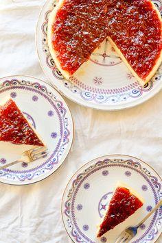 Mascarpone Cheesecake with Strawberry Glaze