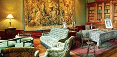 The private apartments Elysee Palace, Loire, Stables, Apartments, Horse Stables, Run In Shed, Horse Barns