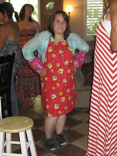 The Distracted Domestic: 90 minute apron tutorial