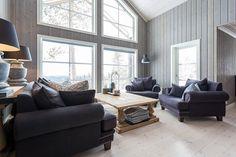 Bildegalleri av hyttemodeller fra Nordlyshytter. Cabins, Interior Decorating, Bench, Homes, Mountains, Living Room, Storage, Holiday, Life