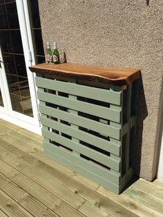Out door reclaimed pallet bar with live edge Elm/Oak/Ash top. on Etsy, £160.00