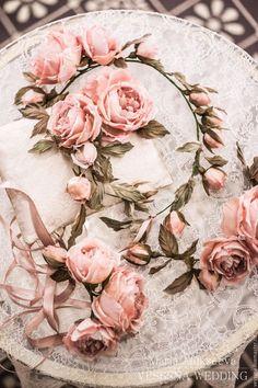 Купить Подушечка для колец с шелковыми цветами - кремовый, цветы из шелка, шелковые цветы, цветы из ткани