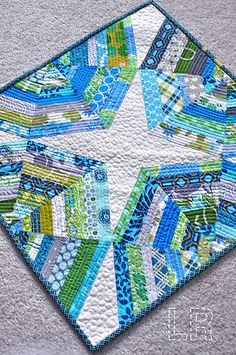 Gorgeous Spiderweb Mini Quilt from LRstitched