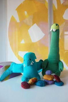 Kids Craft - DIY Felted Stones via Honesttonod.com