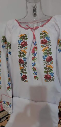 Diy Flowers, Romania, Macrame, Floral Tops, Embroidery, Traditional, Blouse, Long Sleeve, Sleeves